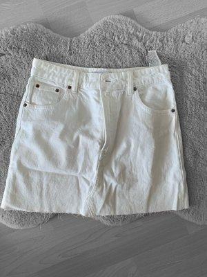 Zara Rock Jeans Weiß und Neu Riss