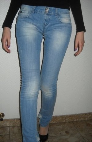 ZARA Röhre Jeans Hose blau Used Look Demin TRF 34 36 XS S Waschung Röhrenjeans