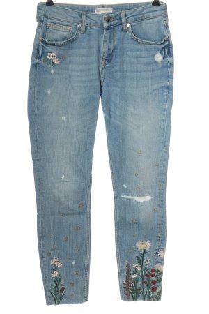 Zara Röhrenjeans blau Blumenmuster Casual-Look