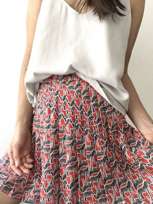 Zara | Rote Shorts mit Zebramuster - neu!