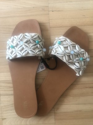 Zara Sandały plażowe w kolorze białej wełny