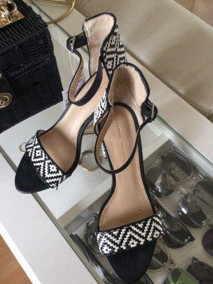 Zara Sandalen Leder geflochten Blockabsatz schwarz weiß Gr. 36 neu mit Etikett