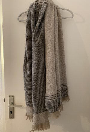 Zara Sjaal met franjes zwart-room