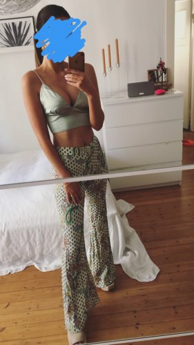 Zara Broek met wijd uitlopende pijpen veelkleurig