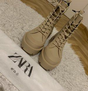 Zara Schnur Stiefel in beige