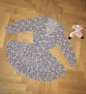 Zara Schwarz-Weiß-Viskose-Kleid