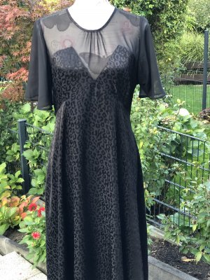 Zara Schwarze Kleid mit Tüll