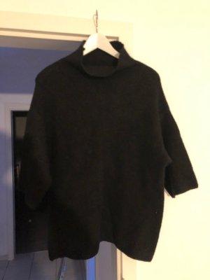 ZARA schwarzer Pullover