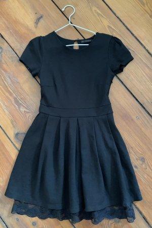 Zara Schwarzes Kleid