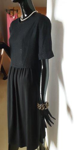 Zara, schwarzes Kleid mit kurzem Arm mit Umschlag, Gr, S
