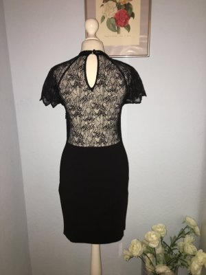 Zara schwarzes Kleid mit Spitze auf dem Rücken