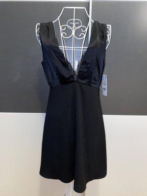 Zara schwarzes Minikleid mit tiefem Ausschnitt in S