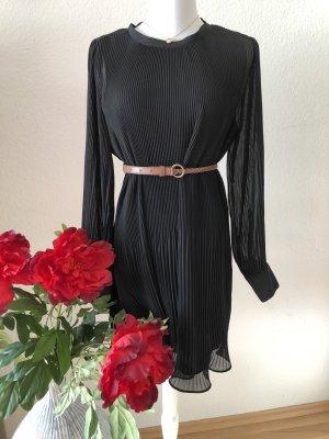 Zara schwarzes Plissee Kleid Chiffon Neu in XS  ❤️