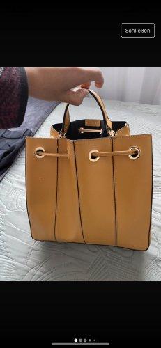 Zara senffarbenere Handtasche /Umgängetasche
