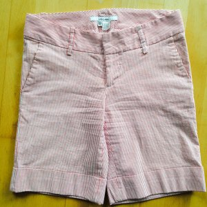Zara Shorts Gr. XS gestreift rot weiß kurze Hose hotpants