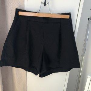 Zara Shorts M