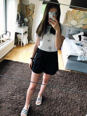 Zara Shorts Neu