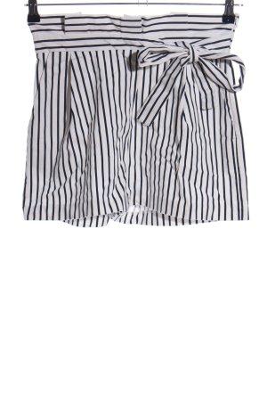 Zara Shorts schwarz-weiß Streifenmuster Casual-Look