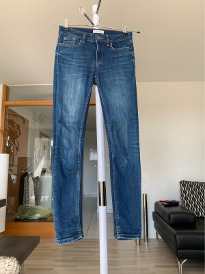 ZARA Skinny Jeans, Gr. 34, blau!