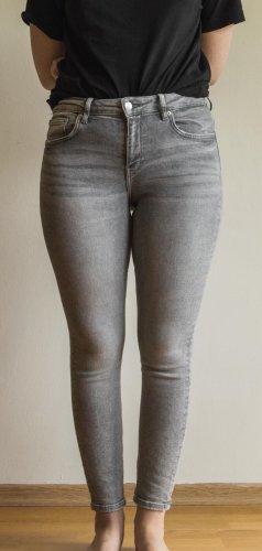 Zara Skinny Jeans Hellgrau
