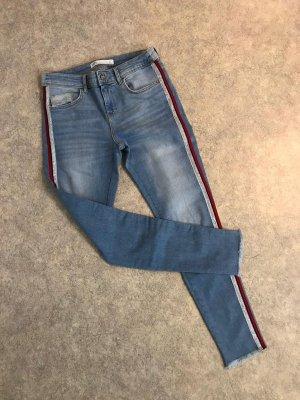Zara Skinny Jeans Hose Helle Waschung mit Streifen