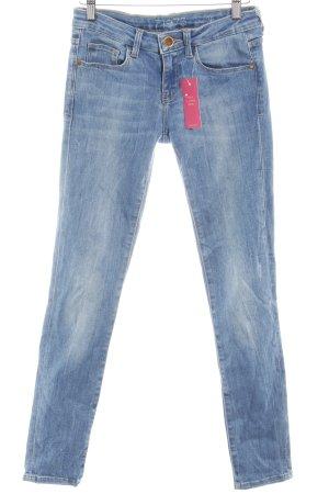 Zara Skinny Jeans kornblumenblau Logo-Applikation aus Leder