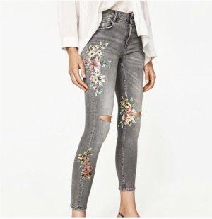 Zara Skinny Jeans mit Blumenprint S/36