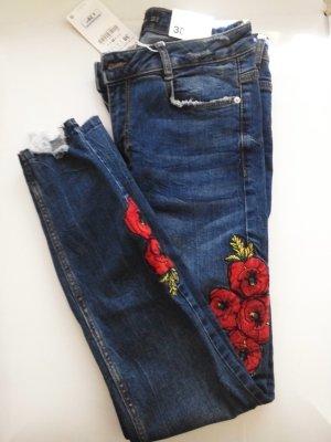Zara Skinny-Jeans mit mittelhohem Bund und wunderschöner Stickerei, Größe 38 neu
