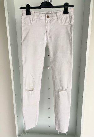 Zara - Skinny Jeans mit Schlitzen an den Knien