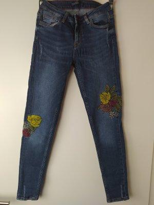 ZARA Skinny Jeans mit Stretch & Stickerei, Gr. 34