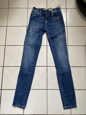 Zara Skinny Jeans Röhre Gr 34