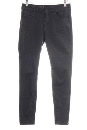 Zara Skinny Jeans schwarz Street-Fashion-Look
