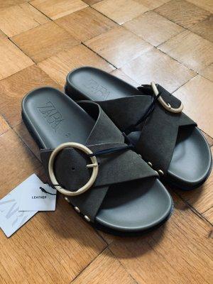 Zara Platform High-Heeled Sandal khaki