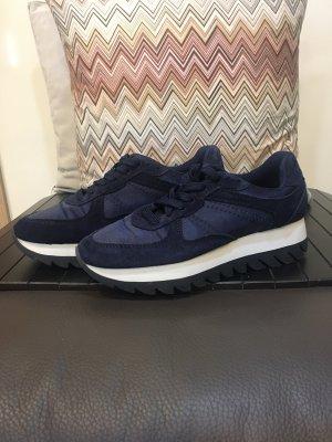 Zara sneaker dunkelblau plateausohle