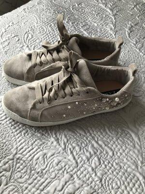 Zara Sneaker Turnschuhe mit Perlen beige