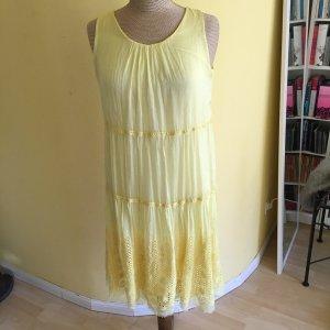 Zara Sommer Kleid mit Stickerei Gr. 38 top