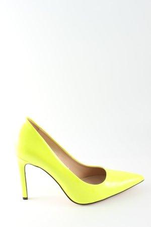 Zara Zapatos de punta amarillo pálido look casual