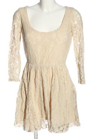 Zara Spitzenkleid creme Casual-Look