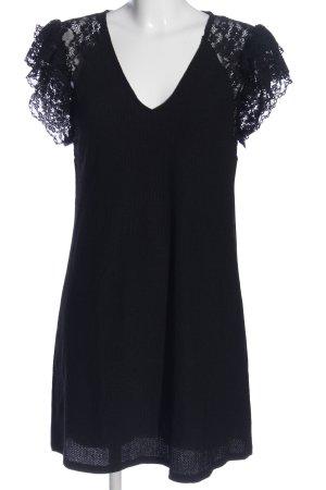 Zara Spitzenkleid schwarz Blumenmuster Casual-Look