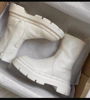 ZARA Stiefel Stiefeletten ausverkauft