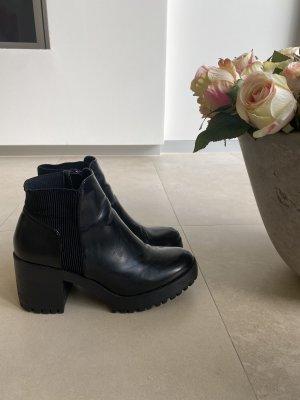 Zara Stiefelette Stiefel Blockabsatz schwarz 39