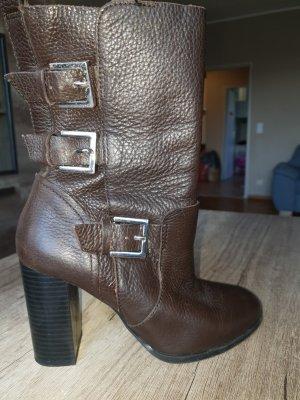 Zara Botas con tacón marrón