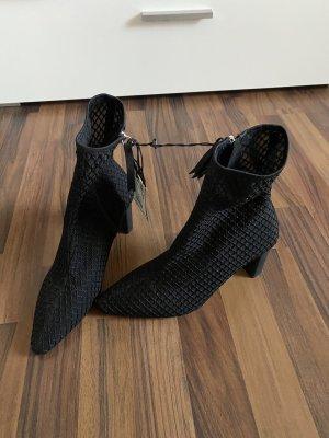 Zara Stiefelletten Neu 38 schwarz