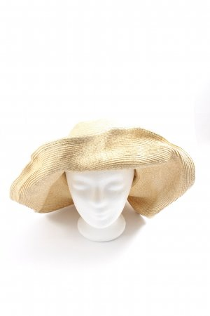 Zara Straw Hat cream casual look