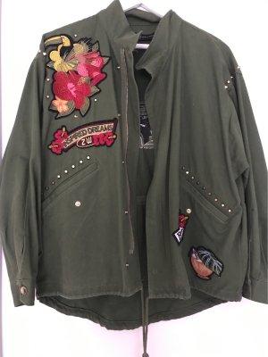 ZARA | Stylische Jacke mit Nieten und Aufdruck
