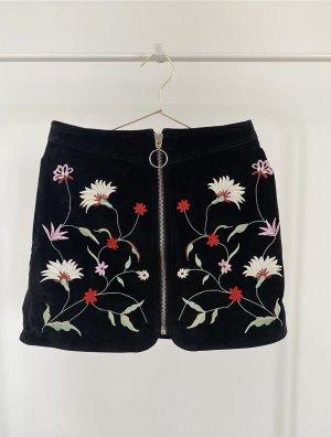 Zara Suede Rock mit Blumenstickerei Echtleder Leder Skirt Schwarz Bunt Blumen Floral Broderie