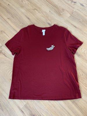 Zara T-Shirt in rot mit Brosche