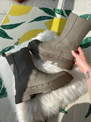 Zara Tall Chelsea Boots