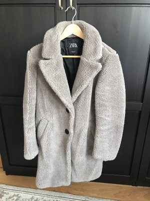 Zara Teddy Mantel