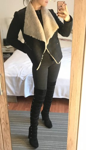 Zara Teddyfell Jacke Gr. S 36 Mantel Übergangsjacke Wassefall schwarz Kurzmantel